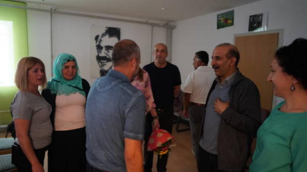 ANF | KCDK-E co-chair Koç met Kurdish community workers in Stuttgart