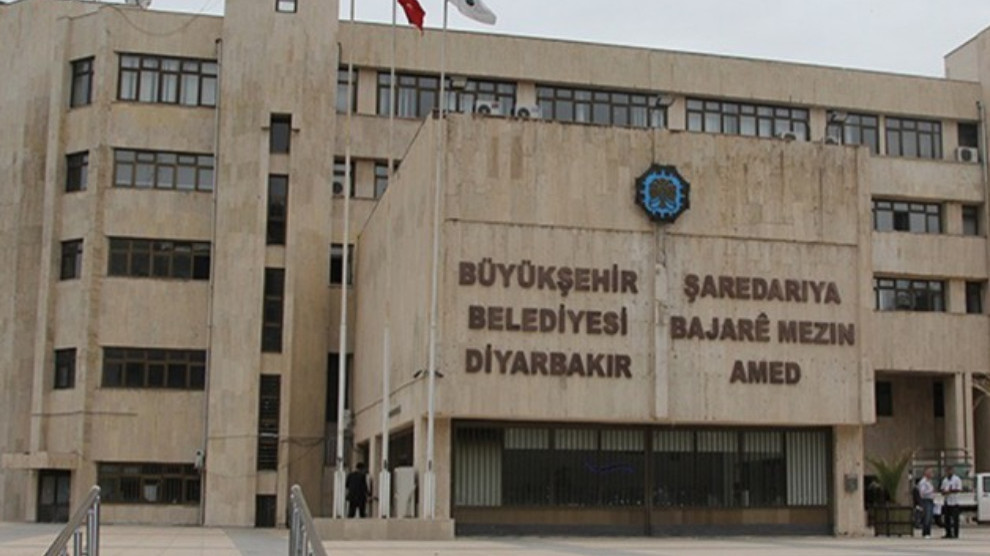 Two HDP Amed Municipality councilors taken into custody