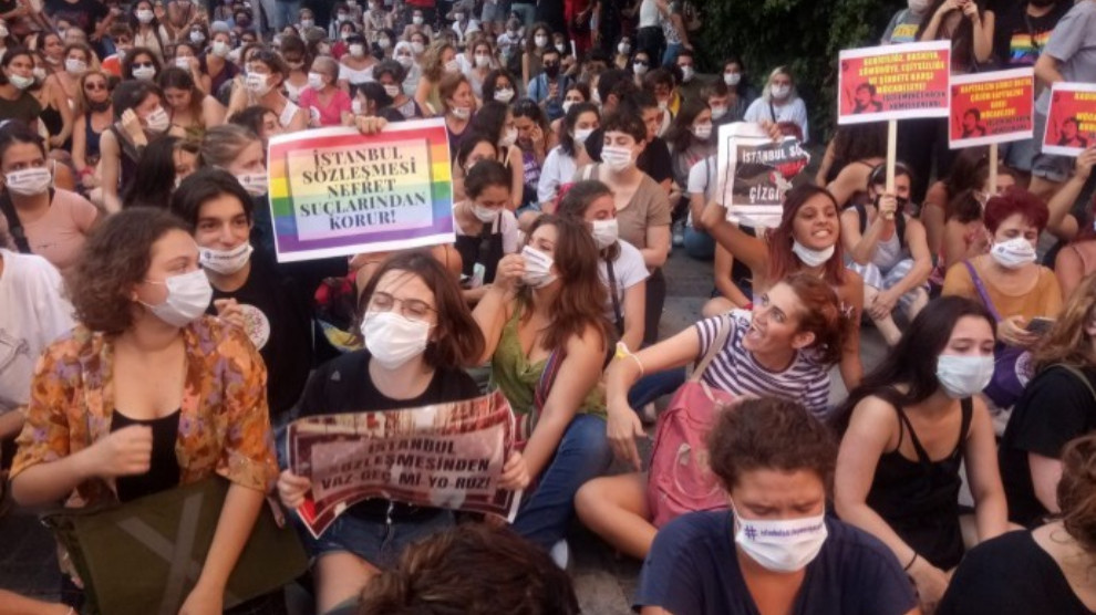 Anf 16 Detained In Police Attack On Women S Rally In Izmir